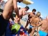 Turisti e cocomero in spiaggia
