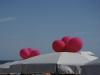 palloncini sopra gli ombrelloni