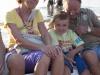 famiglia in barca a gabicce mare