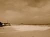 Panoramica spiaggia con neve