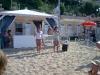 gazebo e famiglie in spiaggia a gabicce mare