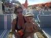 mamma e figlio in spiaggia a gabicce mare