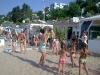 bambini che giocano in spiaggia a gabicce mare