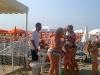 Festa a spiaggia con famiglia gabicce mare